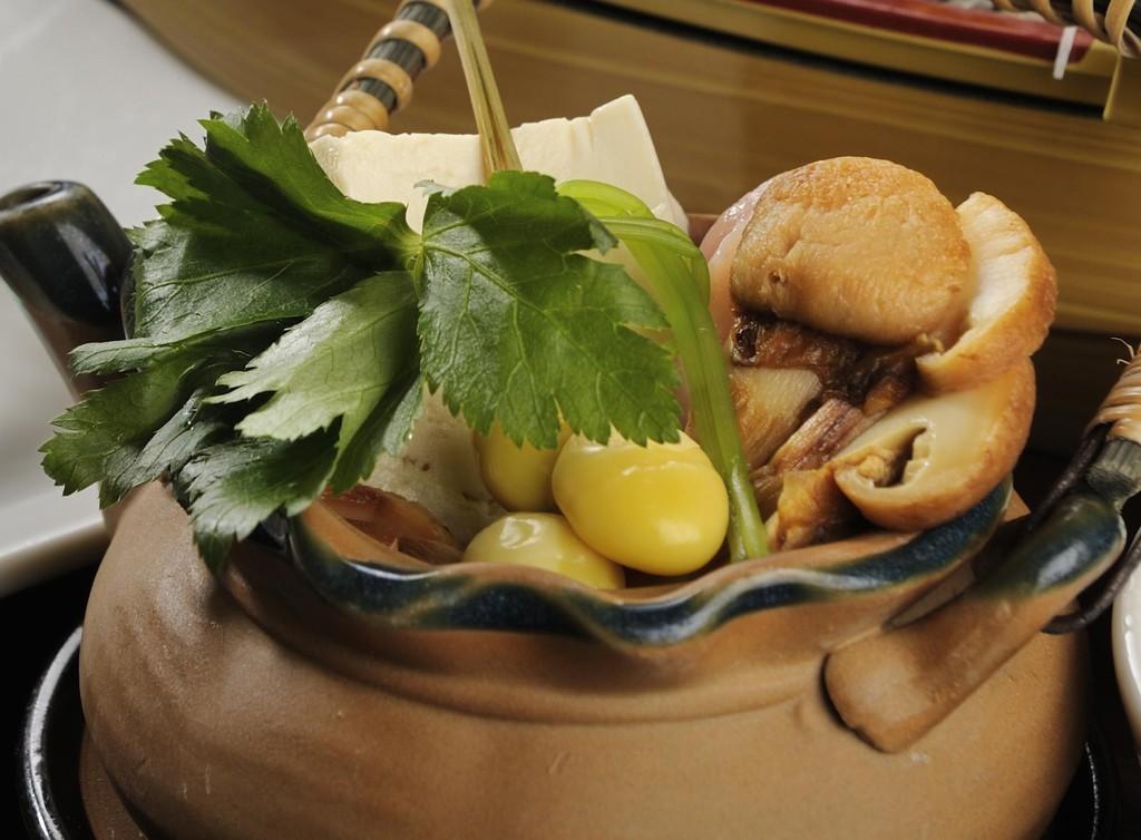 松茸の土瓶蒸し イメージ
