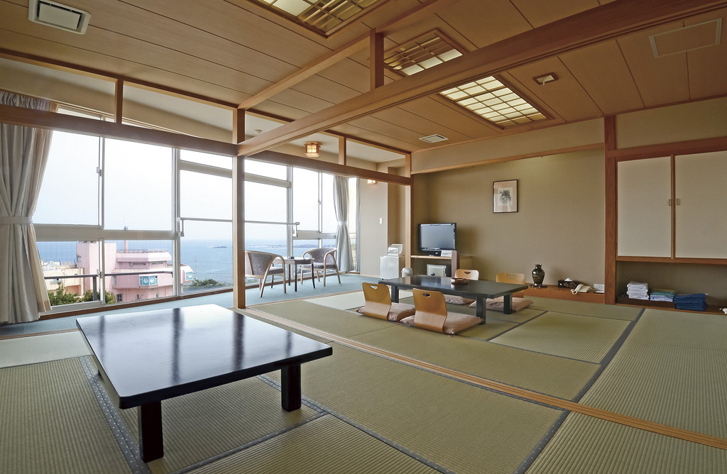 ※部屋の写真は3階の和室2間でございます