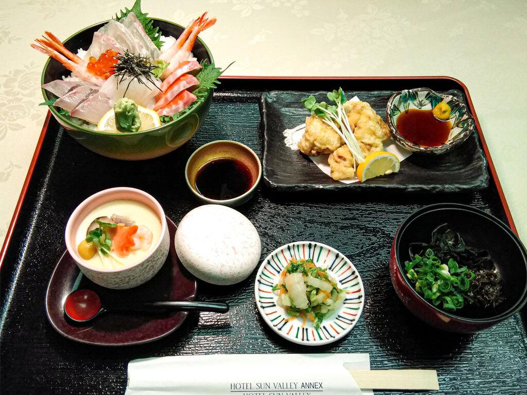 海鮮丼(夕食)