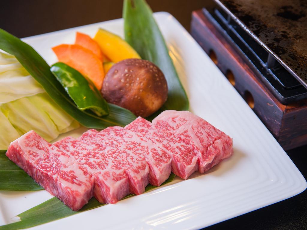 特別会席では熊本のブランド和牛「味彩牛」をご堪能いただけます/例