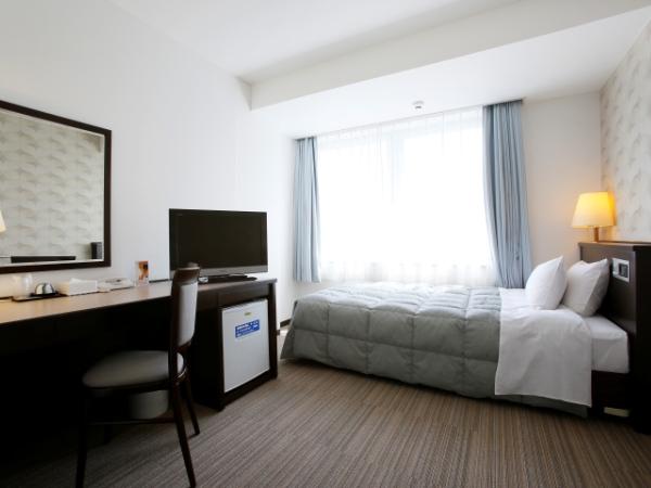 シングルA【約15平米/120cmセミダブルベッド】通常シングルタイプのお部屋。