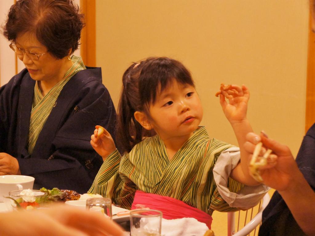 お子様連れの家族旅行(ご夕食)