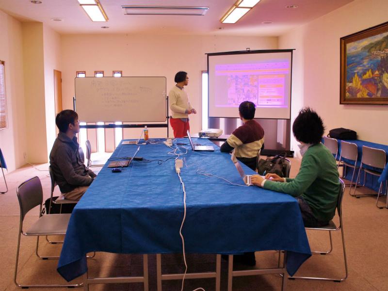 会議室で開発合宿