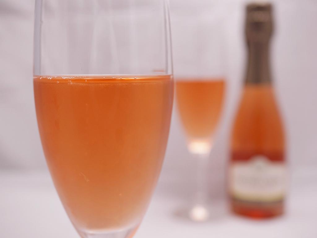 ピンクのスパークリングワイン(ミニボトル)