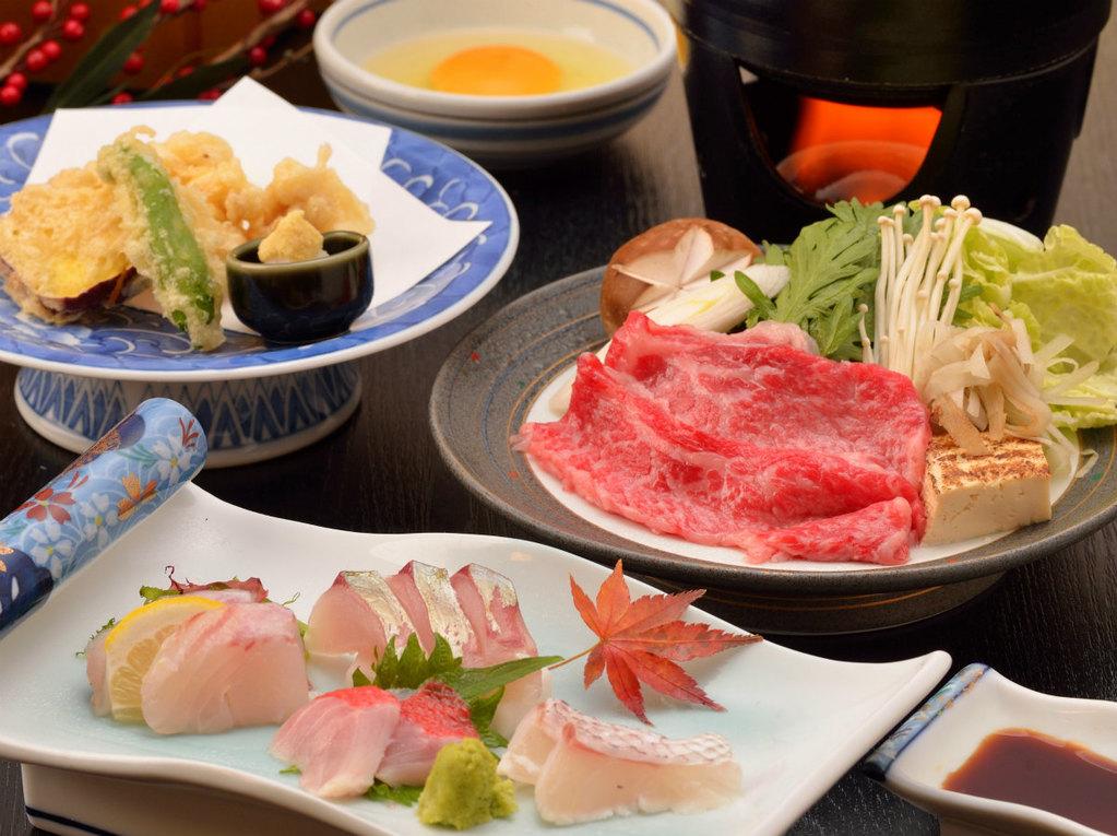 ご夕食イメージ(金目鯛を含むお造り4点盛・飛騨牛のすき焼き・白子の天ぷら)