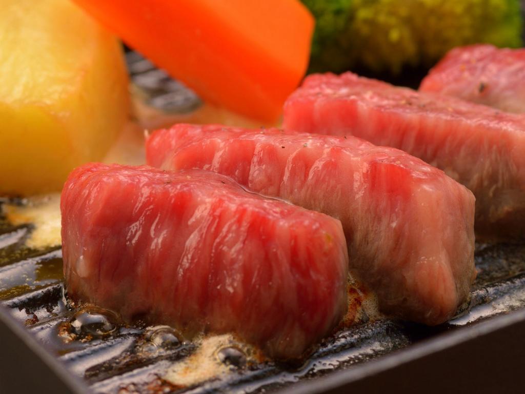 ご夕食のイメージ(飛騨牛ステーキ)