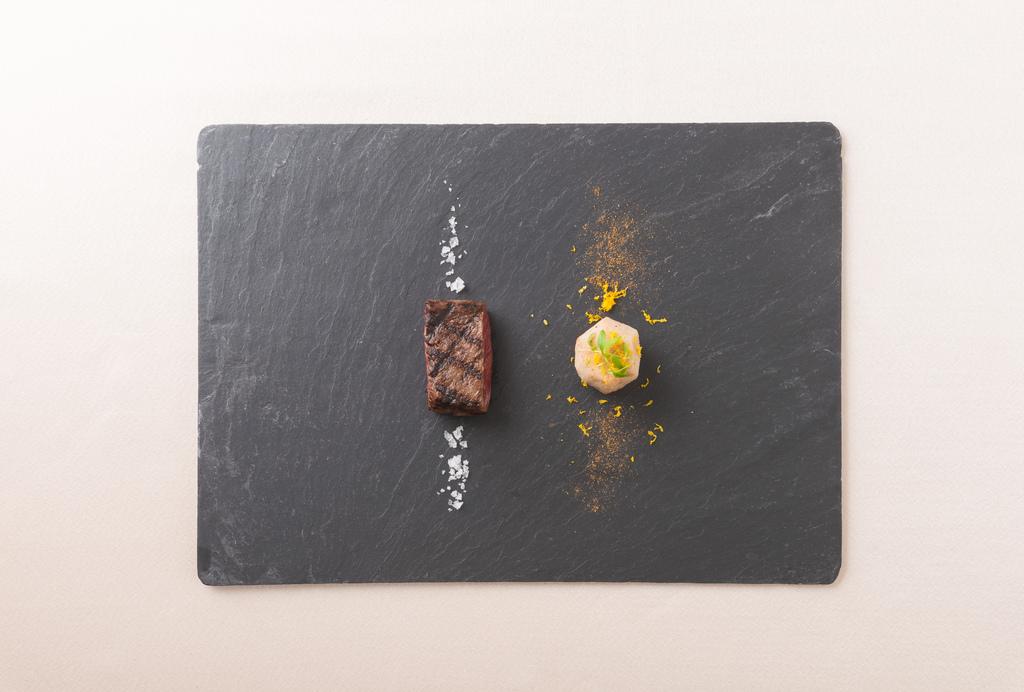熟成松阪牛のビステッカ ゆず香る里芋のフリット