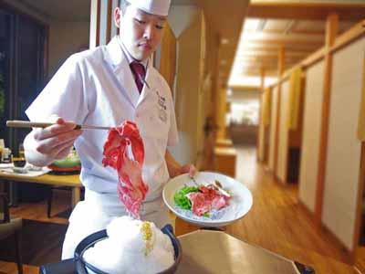 *【夕食一例】客前料理の名物「雲海鍋」がすき焼きに変化します