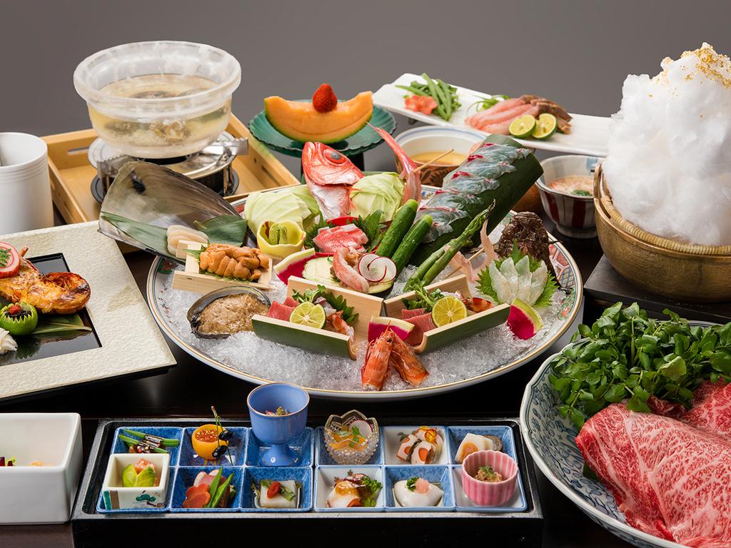 お夕食:上質な食材をたっぷりのボリュームでご提供いたします。