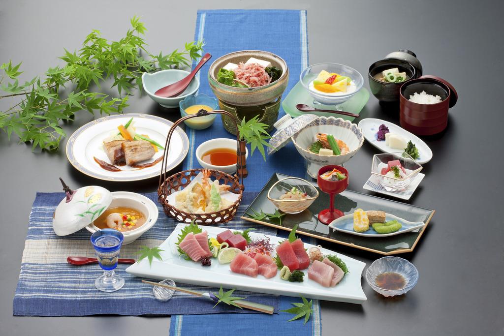 焼津の海の幸を中心とした和会席料理をお召し上がりいただきます♪(写真はイメージです)