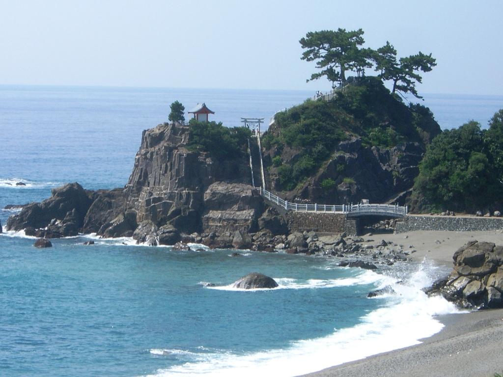 桂浜竜王岬