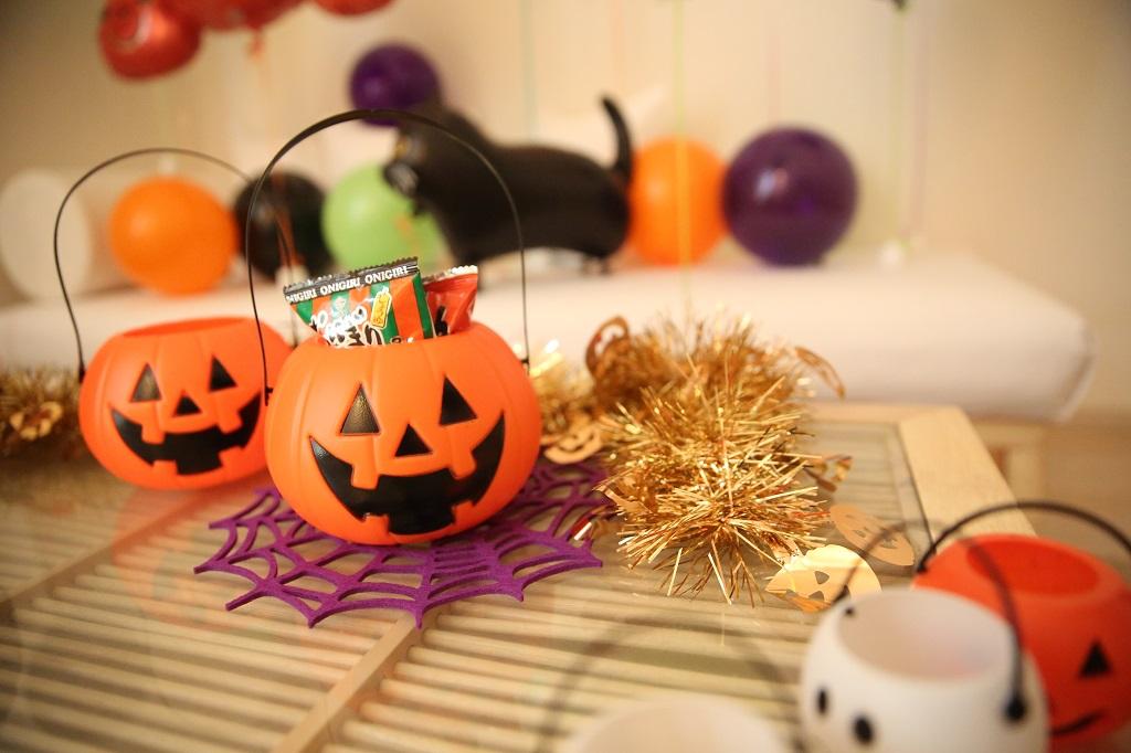 かぼちゃバケツ♪お菓子を集めよう!