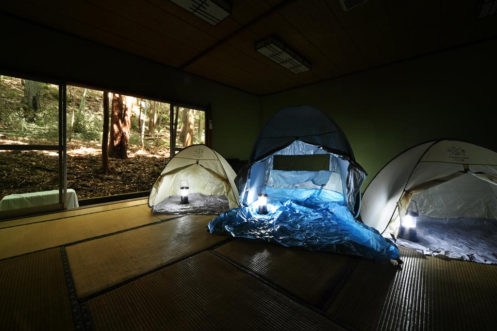 お部屋でテント