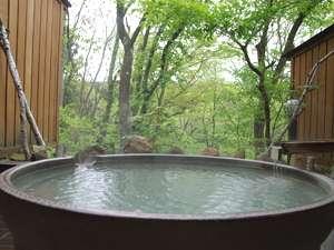 雪景色を眺めながら益子焼の貸切露天風呂に浸かろう