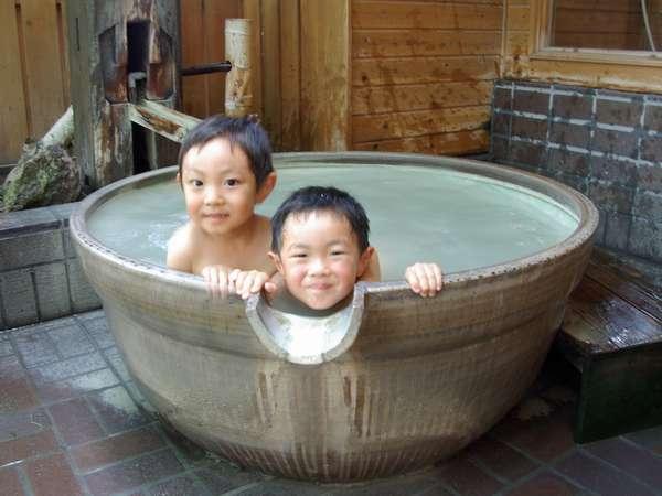 お子さまにも大人気!貸切露天風呂でにこり湯を満喫!