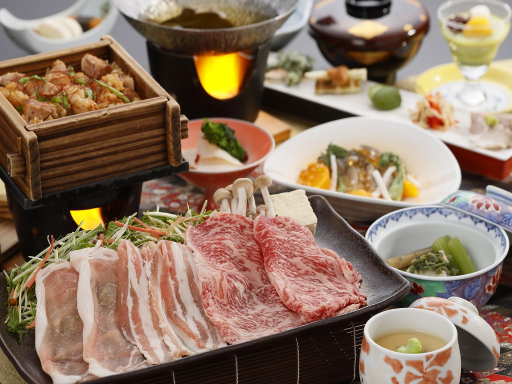当館オリジナルブランド牛&豚の「はつみのり」と「育美(はぐみ)」をしゃぶしゃぶで食べくらべ!