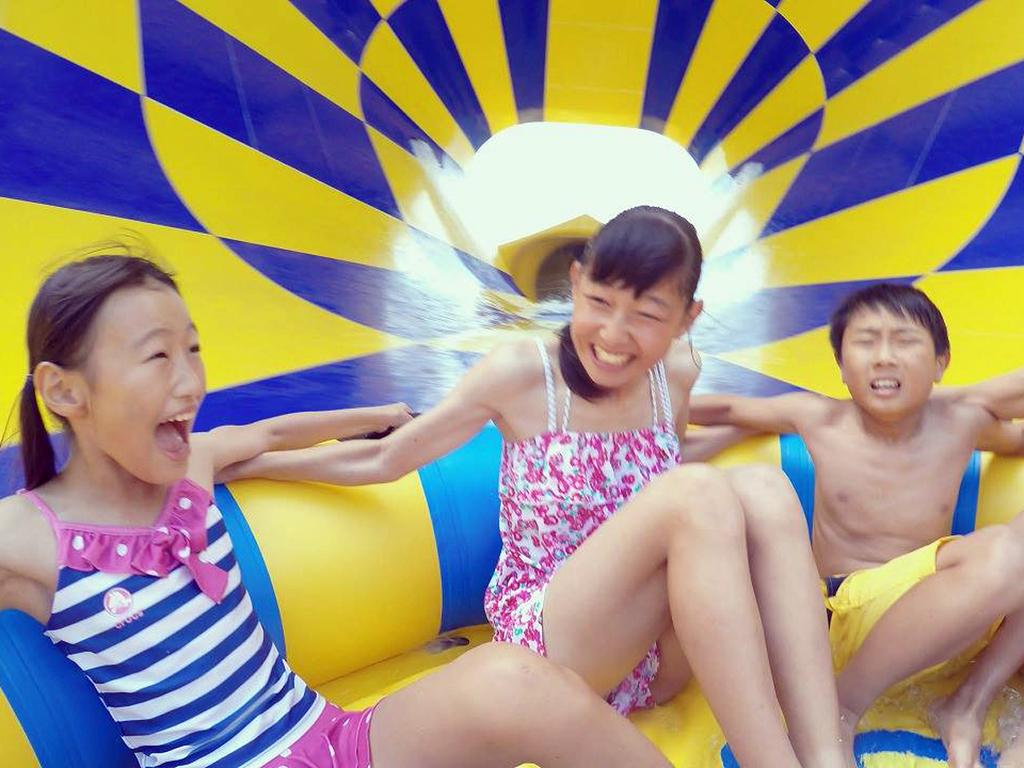【ドキドキが止まらない!!!】世界で誰も体験したことのない巨大スライダーでこの夏楽しもう♪