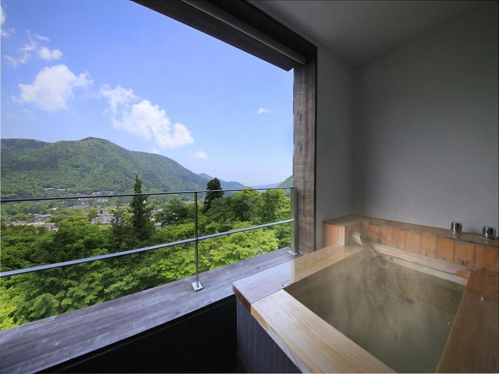 [402]絶景の露天風呂を楽しむ。