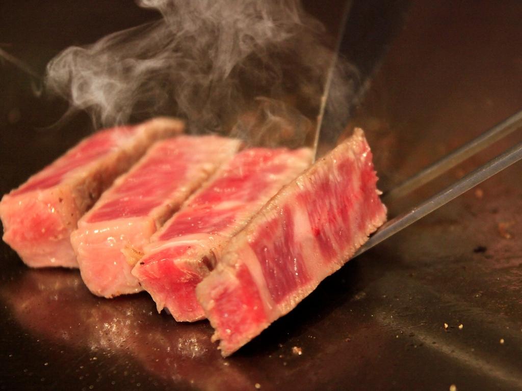 出来立て国産牛サーロインステーキを2倍増し