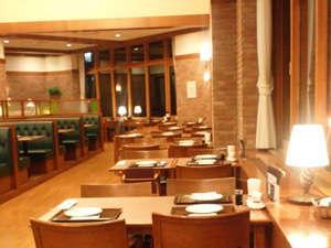 【山荘レストラン】トップ・オブ・キャニオン