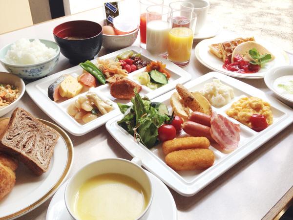 朝食:和洋バイキング一例/7時〜9時30分