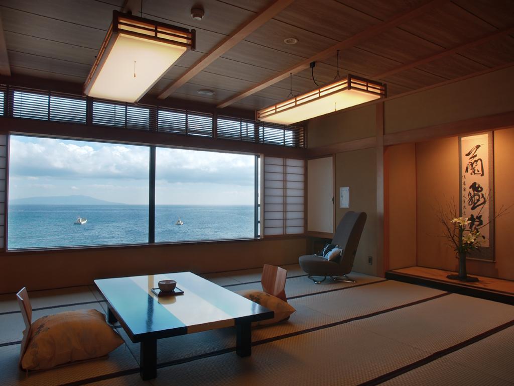 アウトバスルーム・和室15畳(バス・広縁なし)