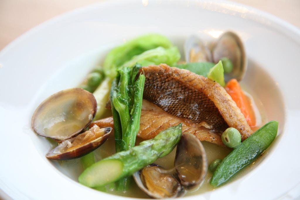 春野菜と旬魚の軽い煮込み