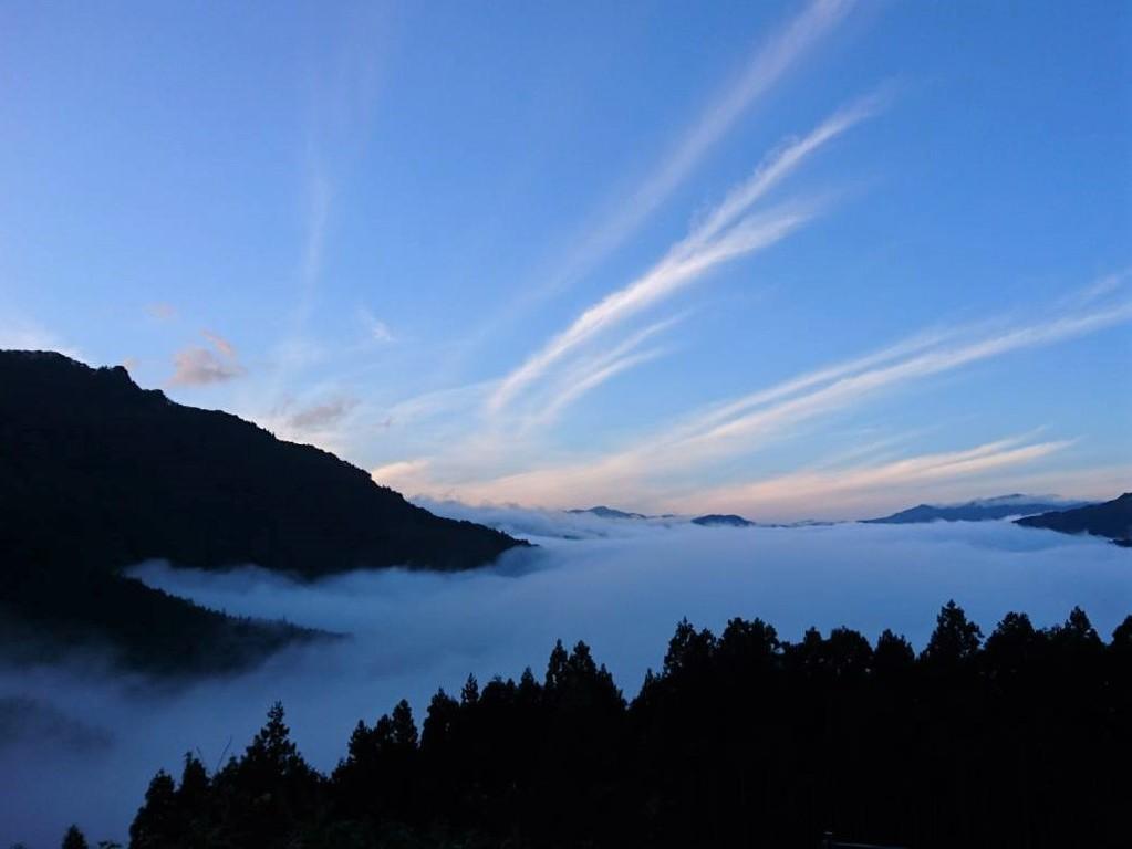 早朝の美しい絶景「雲海」