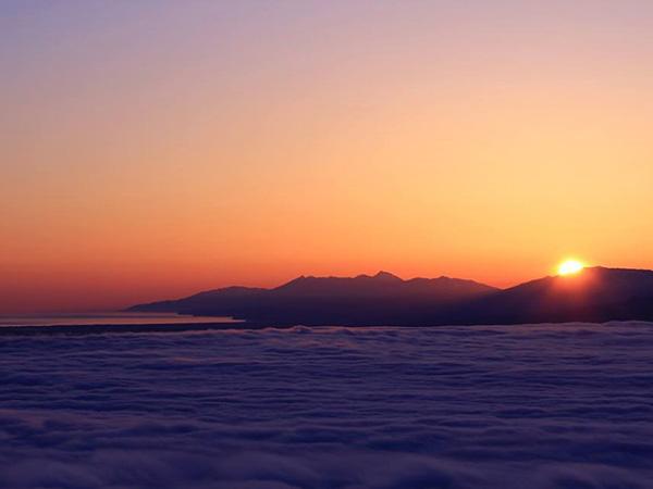 津別峠展望台から見た知床半島