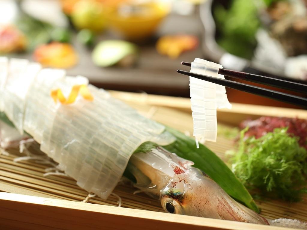 旬の食材を気軽に楽しめる「和み」会席料理でございます。
