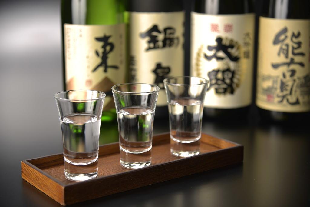 佐賀銘酒の味比べができる「利き酒セット」。