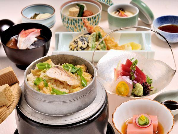 【季節の釜めし御膳】ホテル自慢の日本料理「四季」の特選御膳