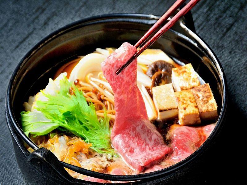 『米沢牛すき焼きコース』最高級黒毛和牛の1つ「米沢牛」をお好みのコースでご堪能ください