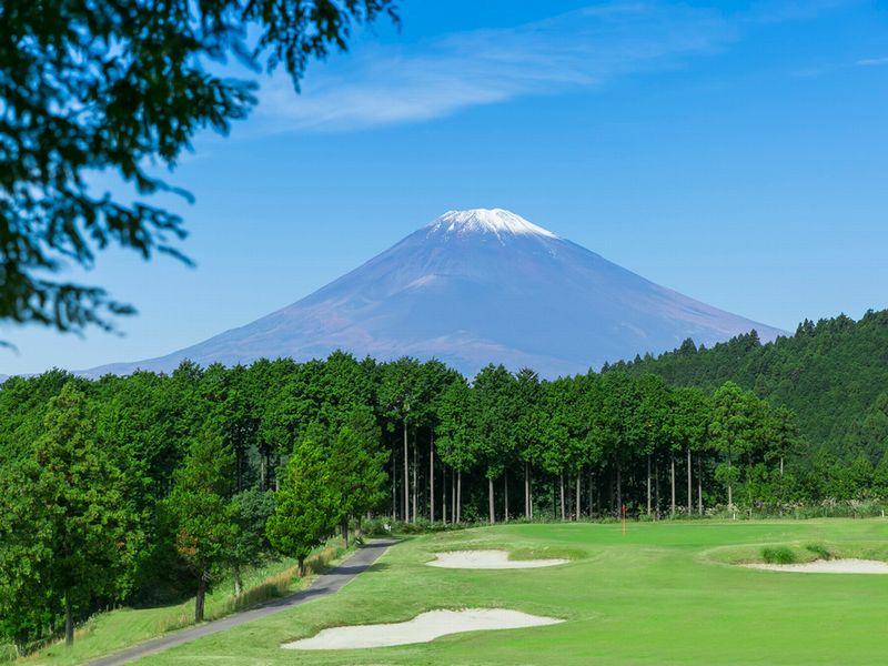 【レンブラントゴルフ御殿場】富士山・駿河湾を望み、南傾斜による爽やかな全18ホール。