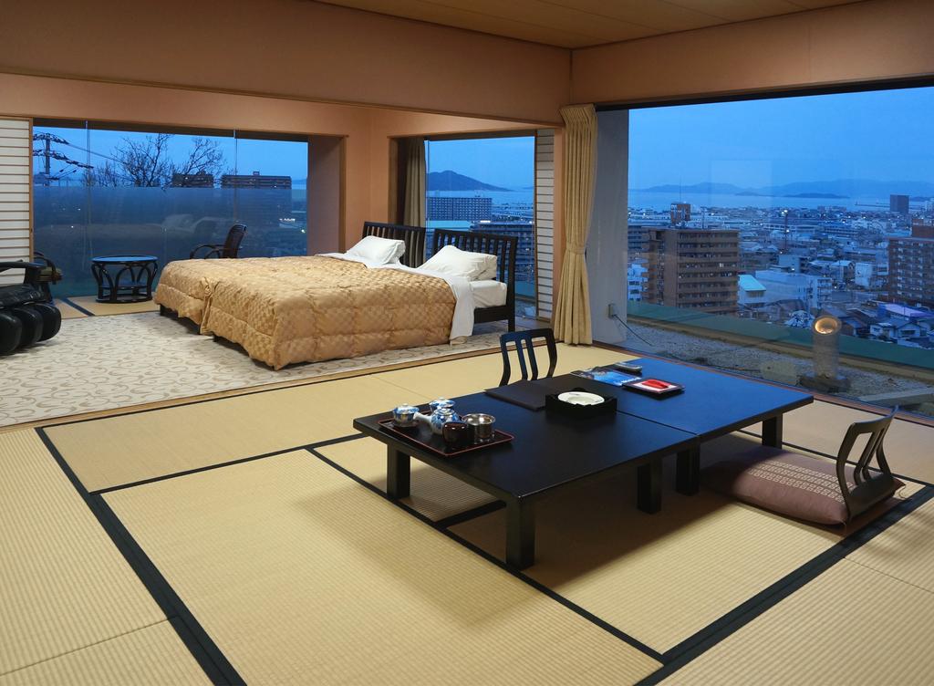 「展望檜風呂付特別室」客室よりの眺望