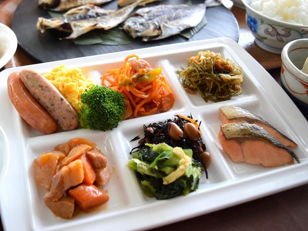 「プレート盛付例」ご朝食バイキングは出雲の食材を活かした和洋バイキング食べ放題!