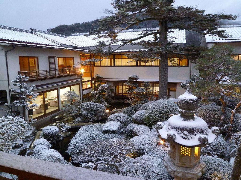 雪の庭園1