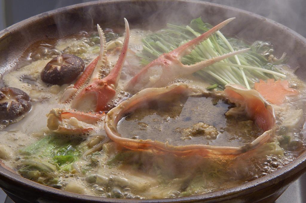 贅沢な越前蟹鍋