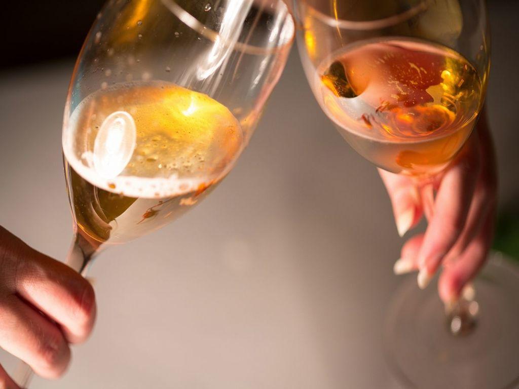 乾杯用シャンパーニュ※イメージ