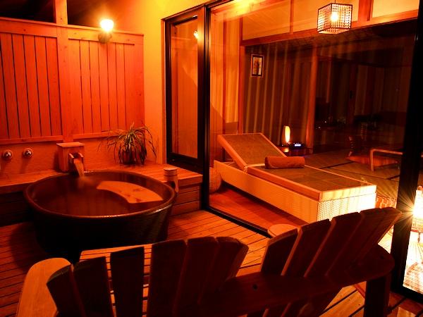 客室露天風呂は陶器と檜がございます。