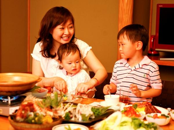 お部屋食ならゆっくり気兼ねなくお食事ができます。