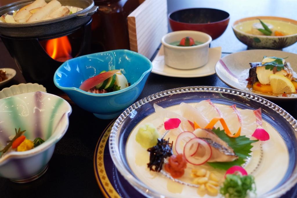 紅葉鯛と蒸し豚陶板焼き会席