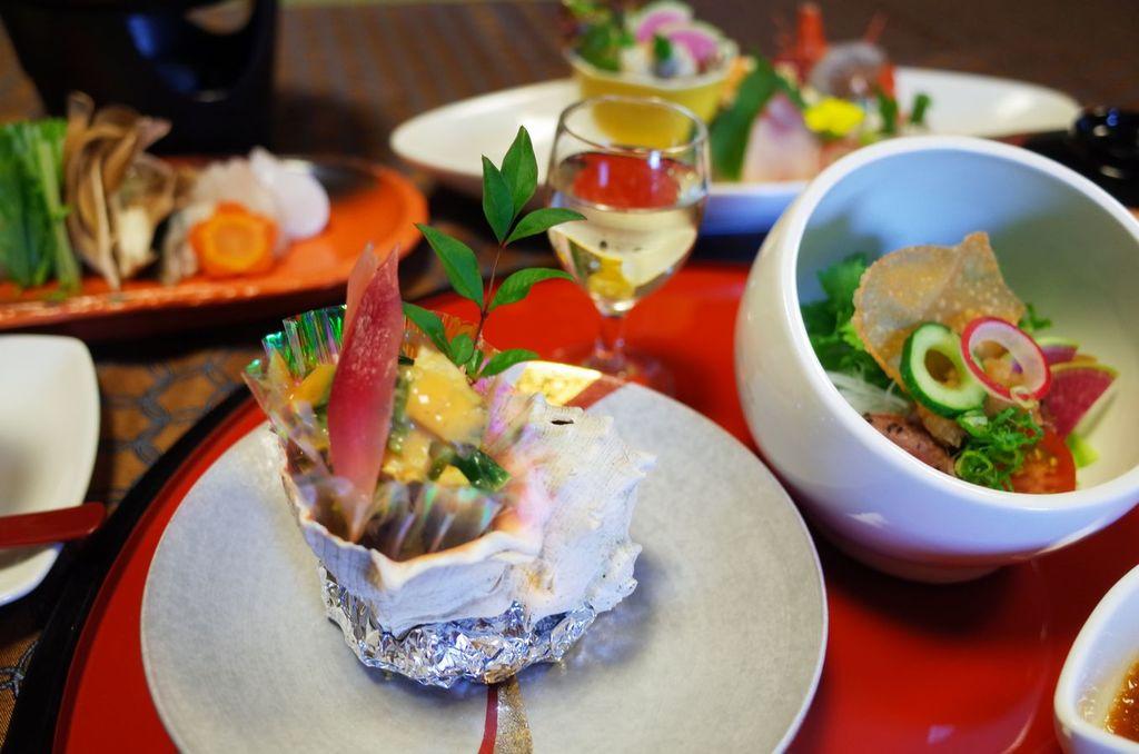 6種のお造り、河豚のヒレ鍋と鯛焼きおにぎり茶漬け会席