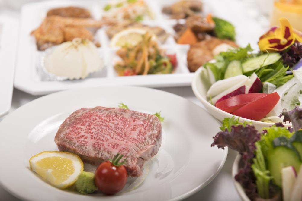 淡路牛のステーキ又はローストビーフでご用意♬