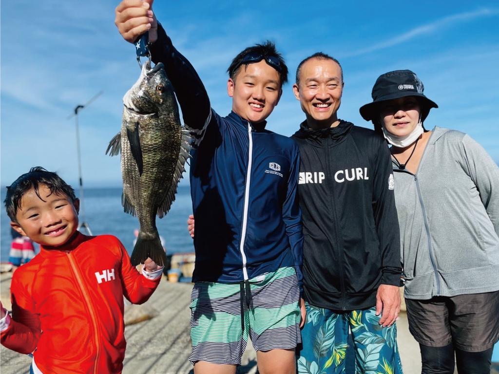 家族で本格的な船釣り体験!!