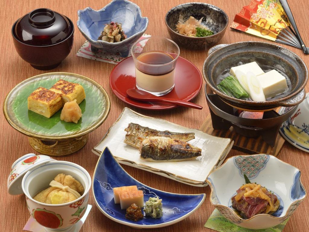 【朝食】季節のお料理(一例)