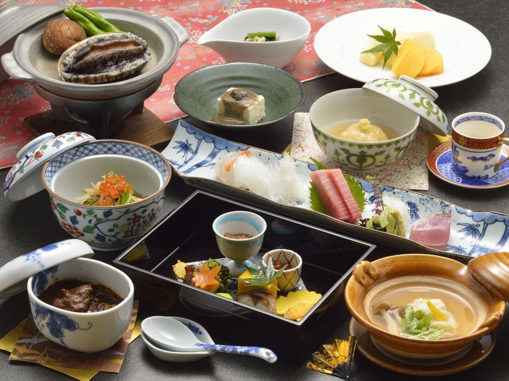 【夕食】季節のお料理(一例)