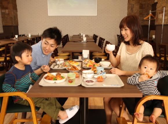 家族だんらん朝食♪