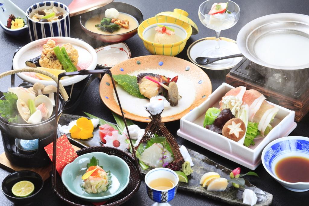 厳選食材を使用した特選会席『桐〜Kiri〜』 ※一例
