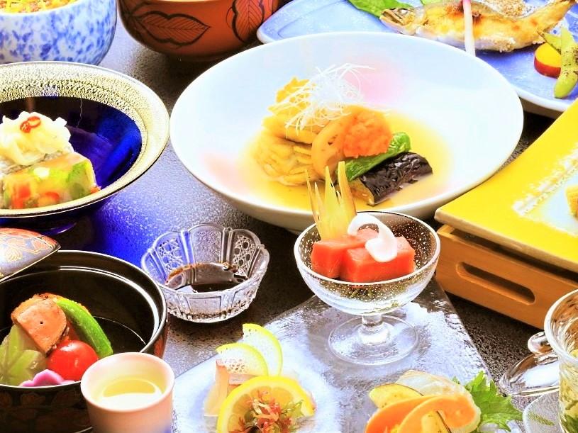 夏の素材を活かした会席料理をご用意します。※写真はイメージです。